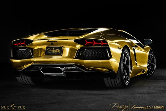 Royal Royce Car Hd Wallpaper Gold Wrapped Lamborghini Aventador Lp700 4 Is Pulled Over
