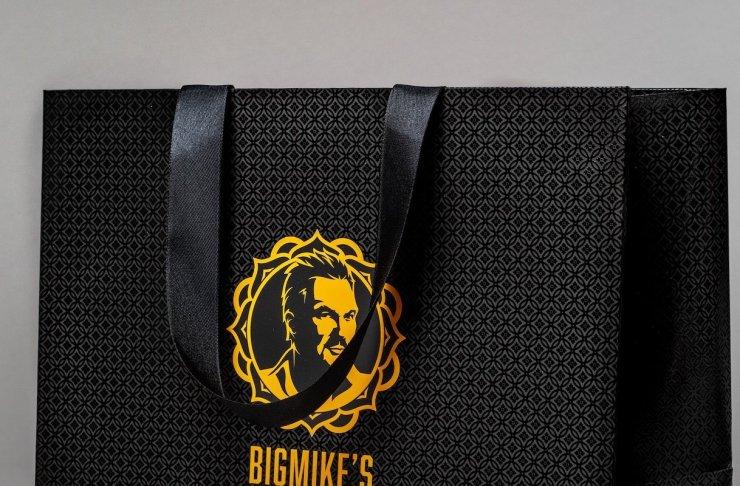 ribbon handle paper bag
