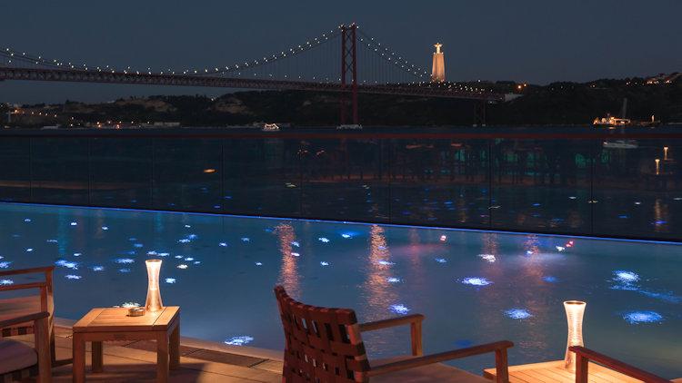 SUD pool night
