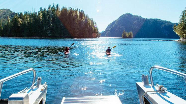 Canoeing at Nimmo Bay Resort