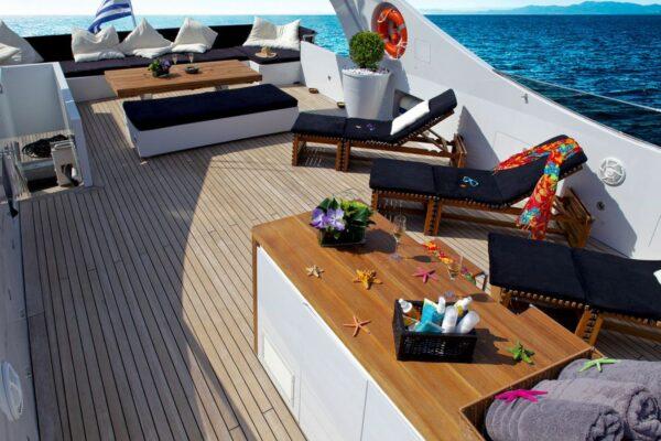 TROPICANA_Charteryachts_1301514985278_2