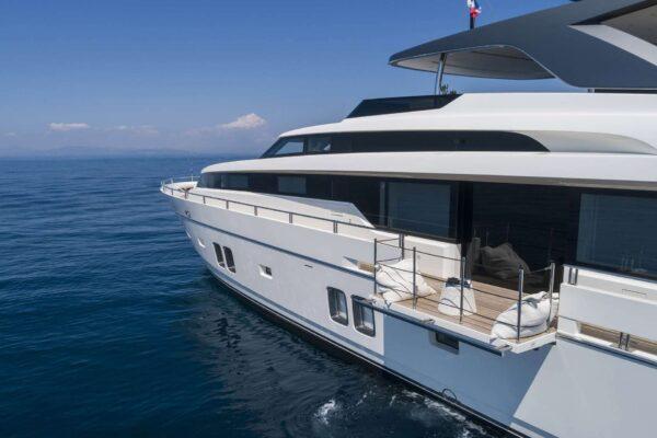 dinaia_motor-yacht (18)