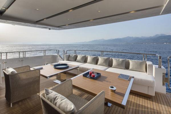 dinaia_motor-yacht (6)