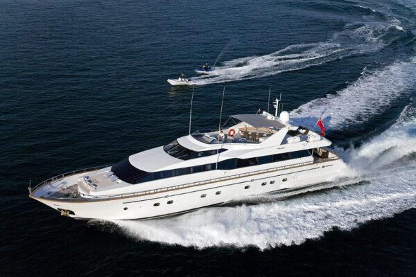 falcon-yacht-100ft