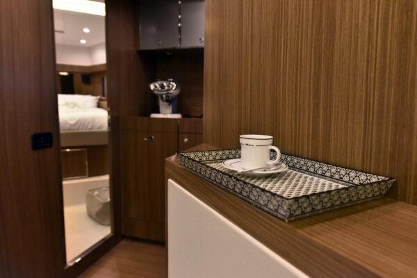 motor_yacht_w_riva (2)