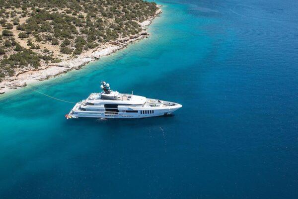 ouranos-yacht-charter-aeria3