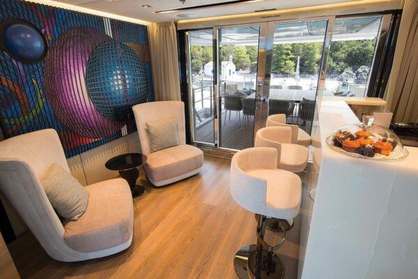 ouranos-yacht-charter-upper-deck-bar