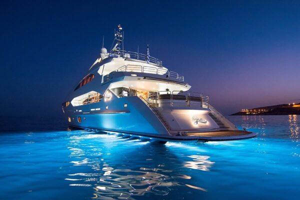 pathos-mega-yacht-night