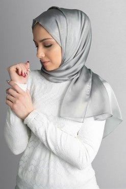 حجاب فضي