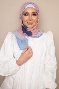 حجاب مطبوع بلون الفاكهة