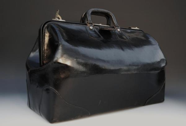 Large Black And Tan Gladstone Leather Bag In