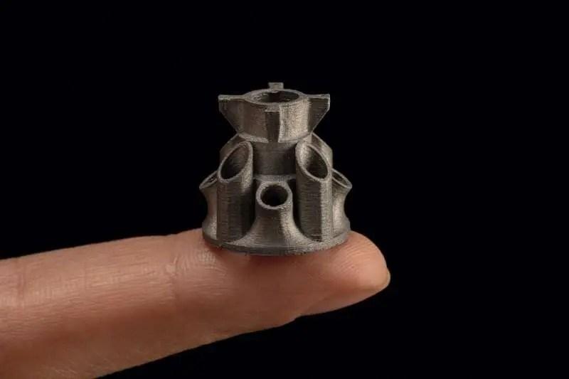 Manufatura aditiva de metal