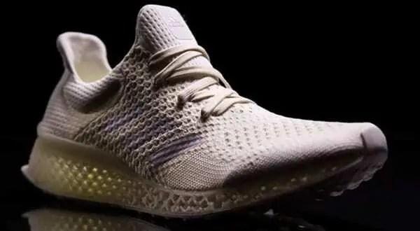 Modelo de tênis impresso em 3D pela Adidas. Tênis com detalhes vazados. Continue lendo nosso post!