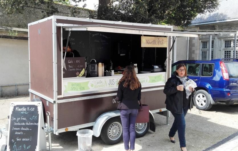 Un food-truck dans la cour du Lycée de l'Abbaye !