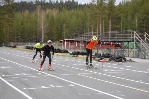 Johan Forslund, Tobias Lindman & Elias Persson spurtar mot mål