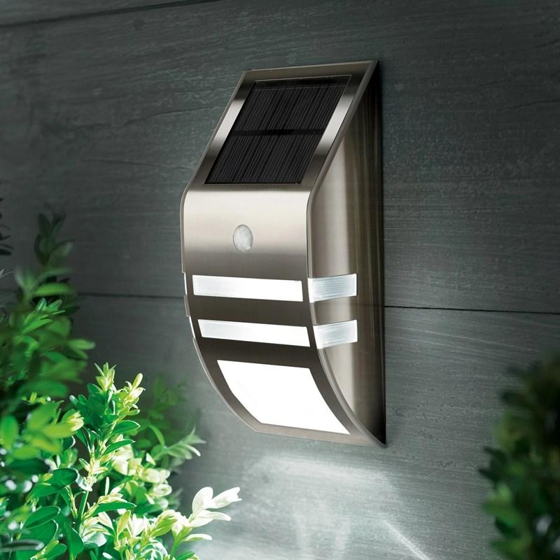 Kingavon Solar Wall Light