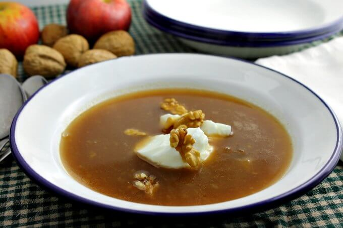 Norwegian Apple Soup ~ Soup For Dessert? Yes! ~ #FoodOfTheWorld ~ Lydiau0027s  Flexitarian