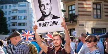 Demonstrasjon til støtte for Tommy Robinson i København. (Foto: Kristoffer Trolle/Flickr)