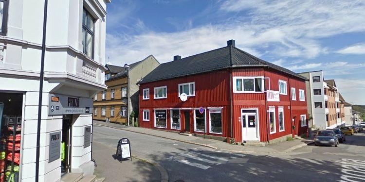 Somalisk moske i Sarpsborge ligger i St. Marie gate 41. Det er uklart om somalieren benyttet seg av akkurat denne moskeen eller Muslim Culture Center som ligger i Håkons gate 2. (Google Streetview).