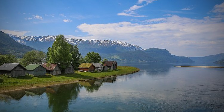 (Foto: Sandane, Sogn og Fjordane / Ragnebl / (CC BY-SA 4.0))