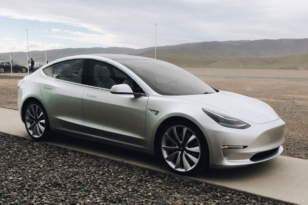 Tesla model 3_4