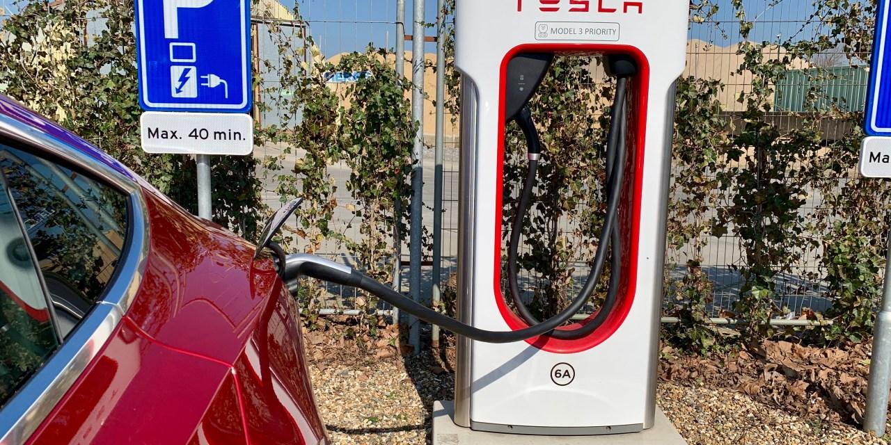 Laad gratis 7500 kilometer met jouw Tesla!