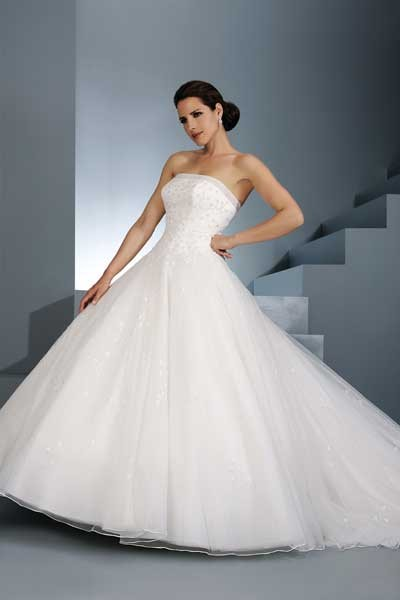 Do You Want A Wedding Dress For Less Than 250 Lyndyloo In Spain