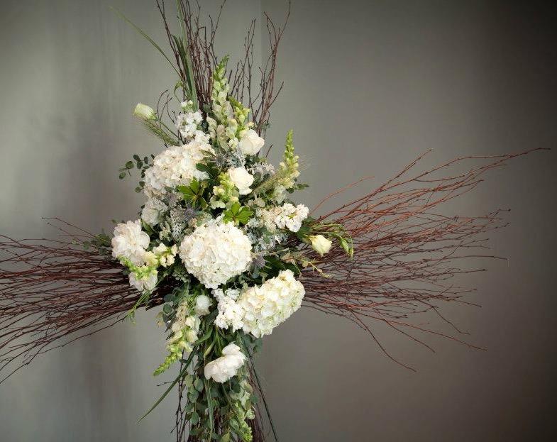 sympathy-flowers-in-cross-shape