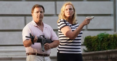 these white people with guns are stupid racist idiots