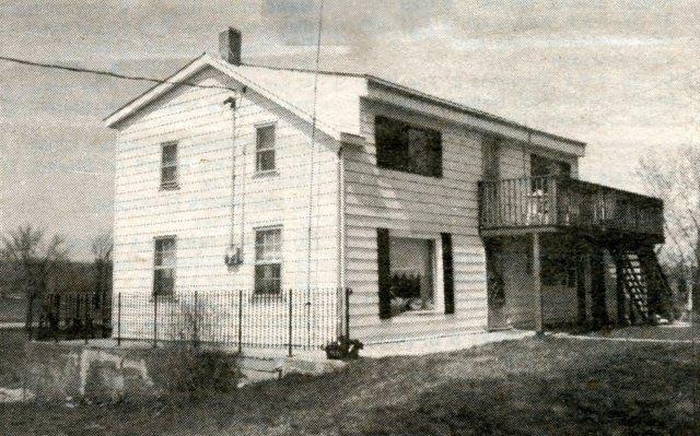 dacks-tavern-built-in-1818-c1985
