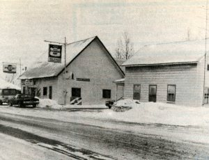 newbliss-general-store-cheese-house-on-right-c1985