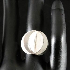 Ola Dahlsveen overlayed circle ring Front