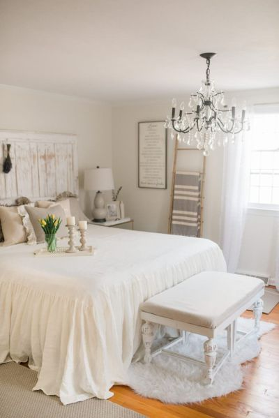 french farmhouse bedroom decor French Country Farmhouse Decor // Our Bedroom - Lynzy & Co.