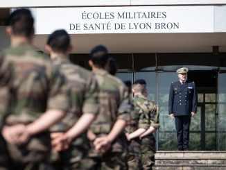 Résilience 230 volontaires élèves des EMSLB renforcent les hôpitaux militaires