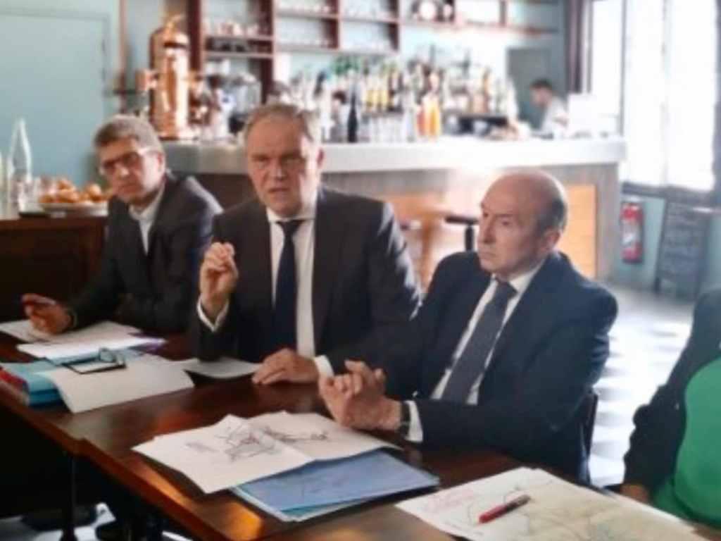 Buffet et Collomb présente leur programme en terme de mobilité