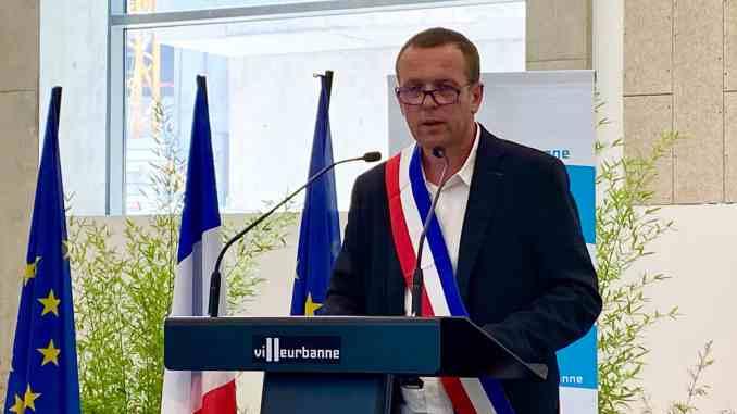 Cédric van Styvendael succède à Jean-Paul Bret au poste de maire de Villeurbanne