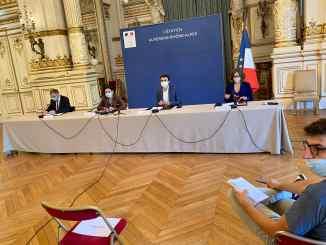 Le maire Grégory Doucet et la préfecture annoncent le masque obligatoire dans certains quartiers de Lyon