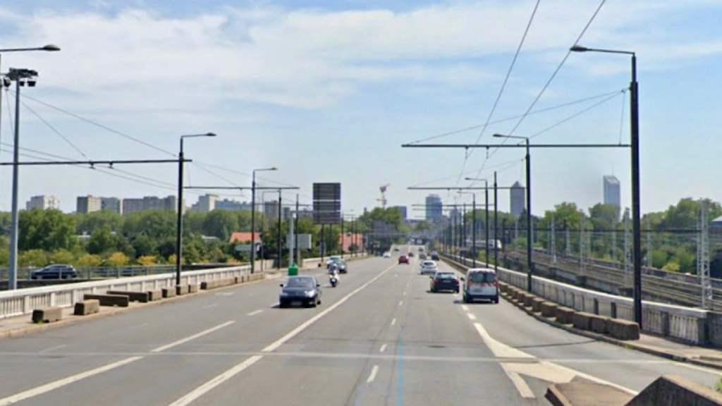 Des pistes cyclables sur le pont Poincaré à Caluire