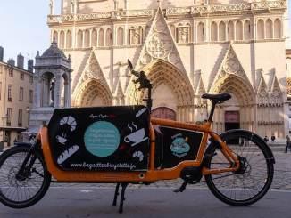 livraison de pain et de viennoiseries à vélo