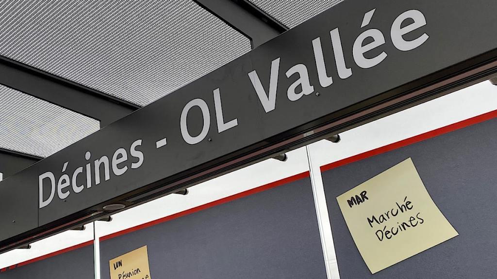 tramway station OL Vallée