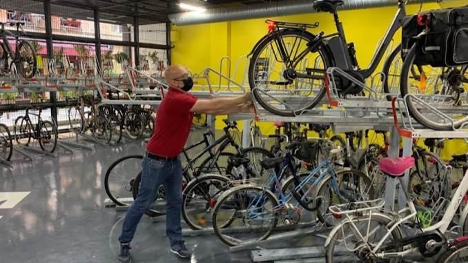 LPA double ses espaces réservés aux vélos