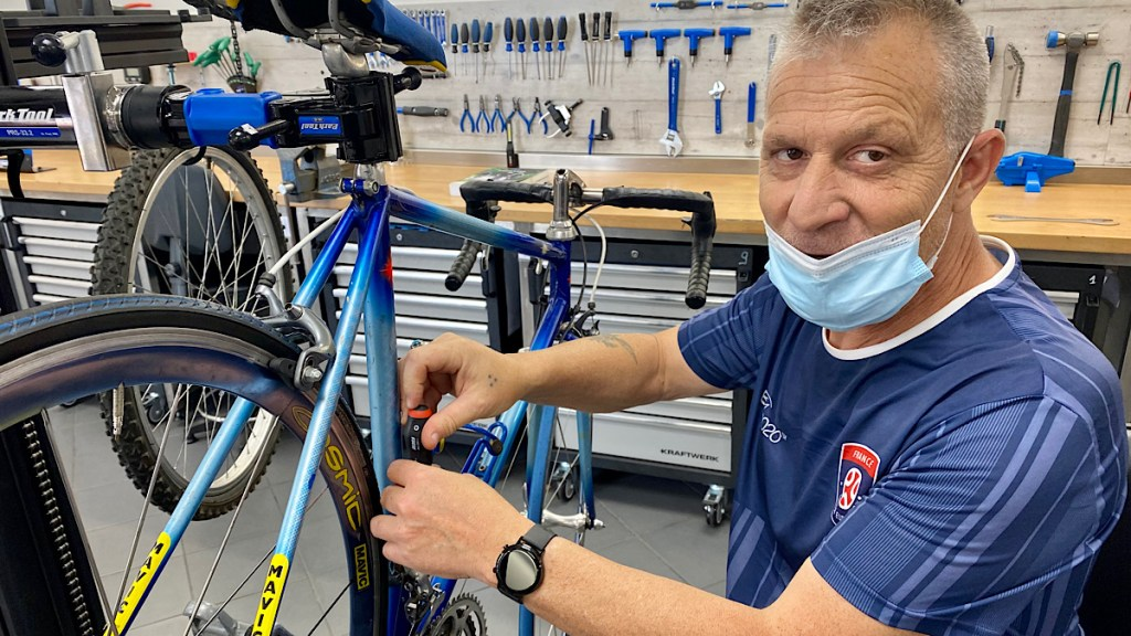 Handicap LADAPT forme des mécaniciens vélo
