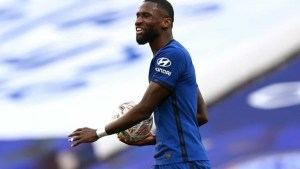 Chelsea star demands £200,000-a-week wages to sign new deal at Stamford Bridge