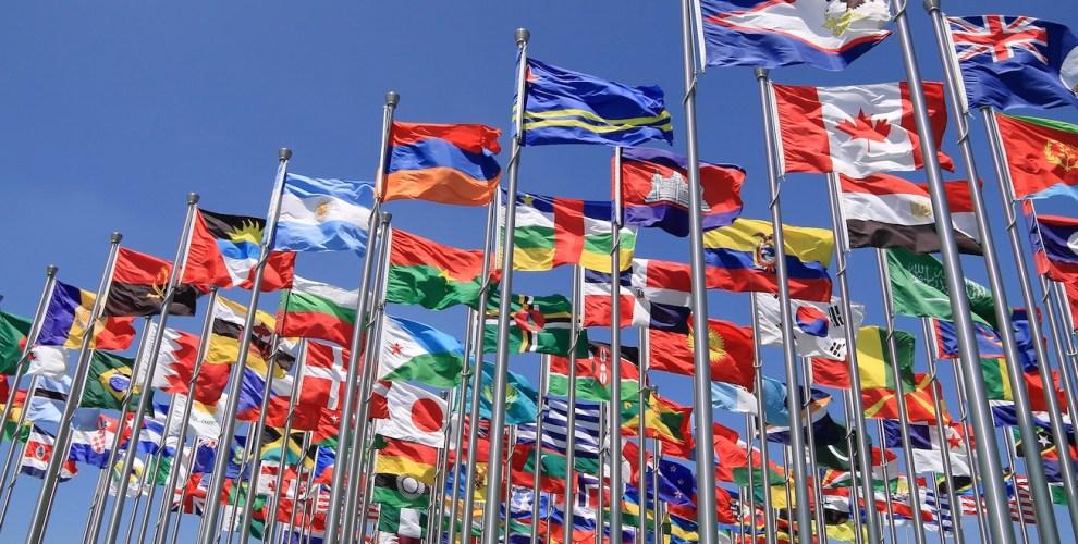 Kết quả hình ảnh cho Mớ lộn xộn kinh tế toàn cầu được bộc lộ