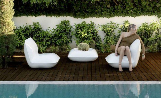 Ce Salon De Jardin De La Marque Espagnole Vondom Au Design Futuriste Offrira Une Aura Hors