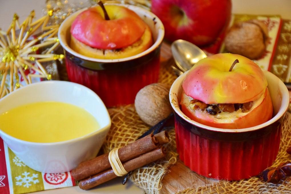 Basisches Bratapfelrezept mit Mandel-Rosinen-Füllung