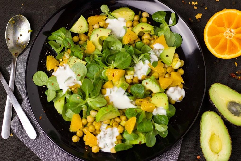 Kichererbsen-Mango Salat mit Avocado