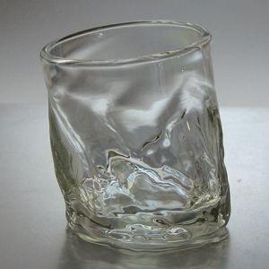 ピサロックグラス