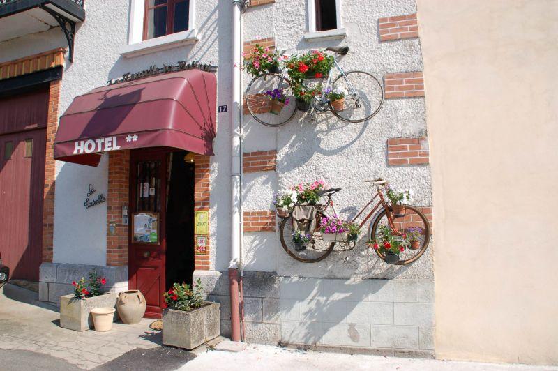 HOTEL LA TOURELLEww Voie Verte Paray Le Monial Cronat