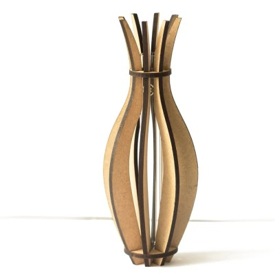 MAACKT Vase Blomstrede Lilja MDF